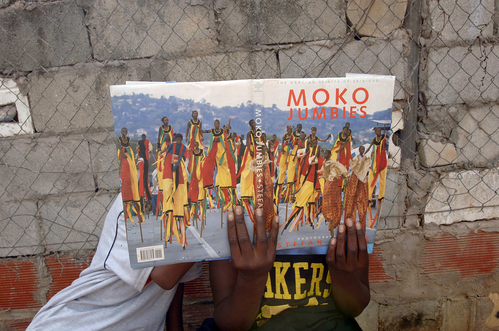 0-Moko_Jumbies_with_book_016